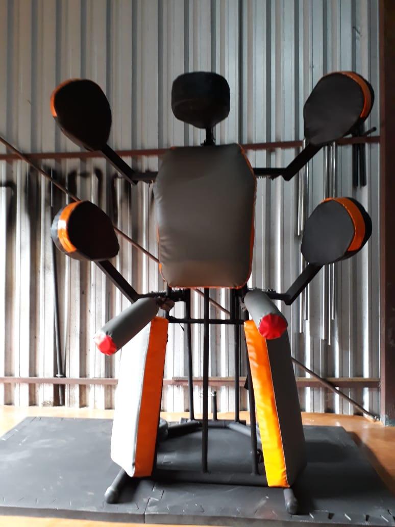 suporte de manopla e aparador para academia