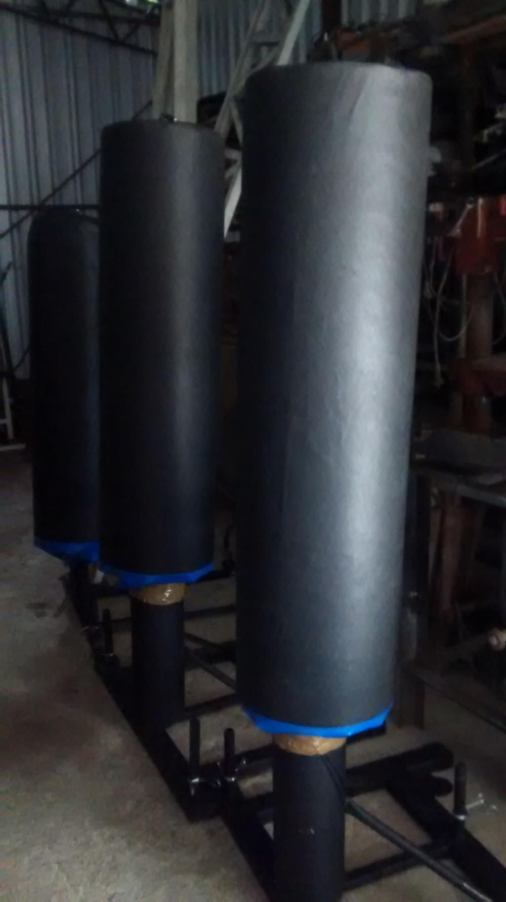Coluna de impacto robusta com base de anilhas