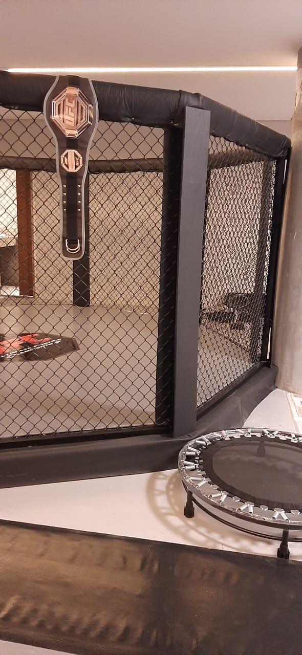 Octógono elevado completo instalado em residência de condomínio em MG