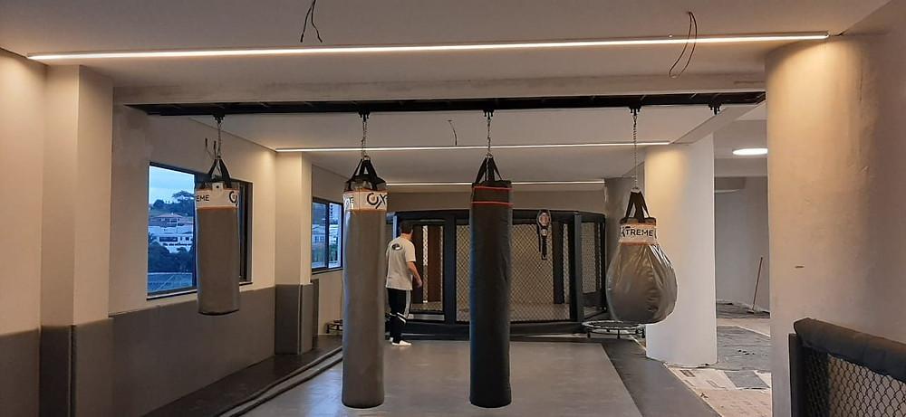 Academia completa em casa de condomínio fabricada pelo Grupo Star Fit