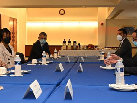 Health Minister Discusses COVID-19 Vaccinations with U.S. Officials