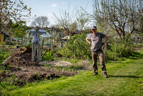Distancing in the allotment