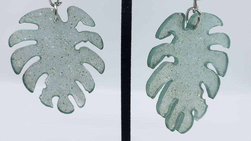 Light green glitter leaf earrings