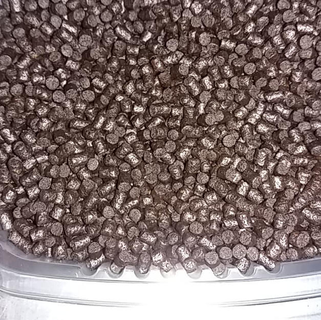 Pellets premium junior 3 mm en 500 ml à 8,20€