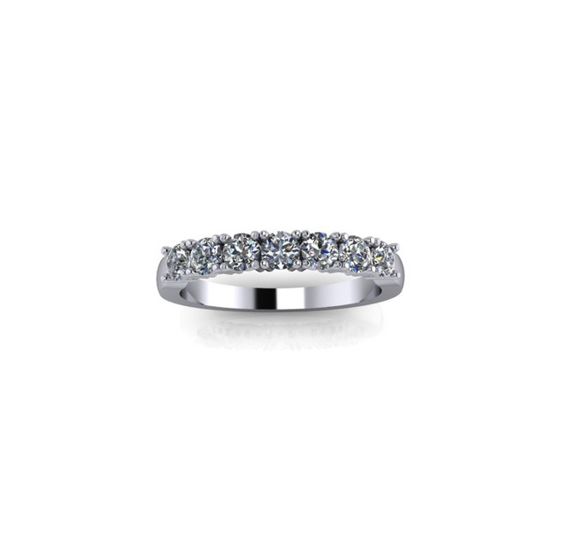 PLATINUM CLAW SET DIAMOND RING