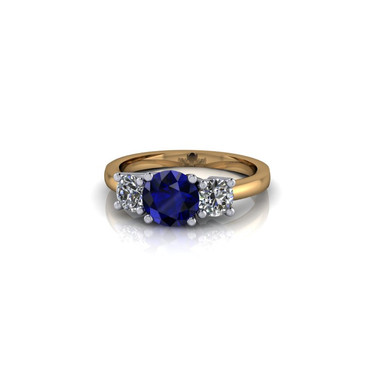 CLASSIC ROUND BRILLIANT THREE STONE RING