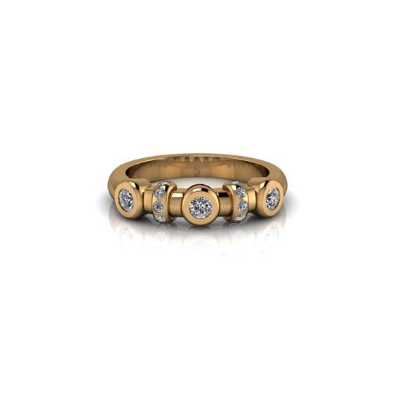 BEZEL SET YELLOW GOLD RING