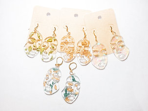 RESIN FACE EARRINGS