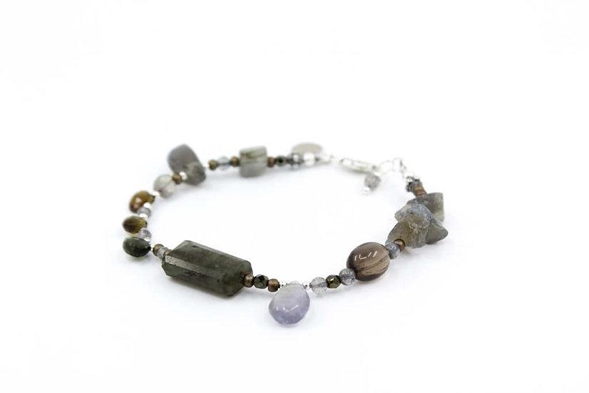 Labradorite & Iolite Moontide Bracelet