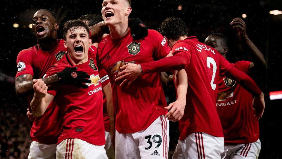 Манчестер Юнайтед -  в Лиге Европы.