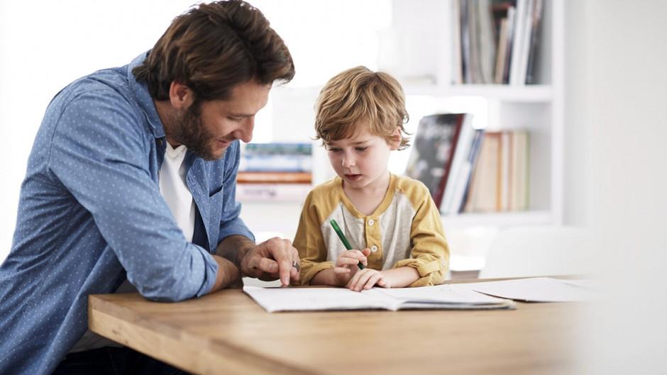 Почему домашнее обучение в пандемии провалилось для многих семей.