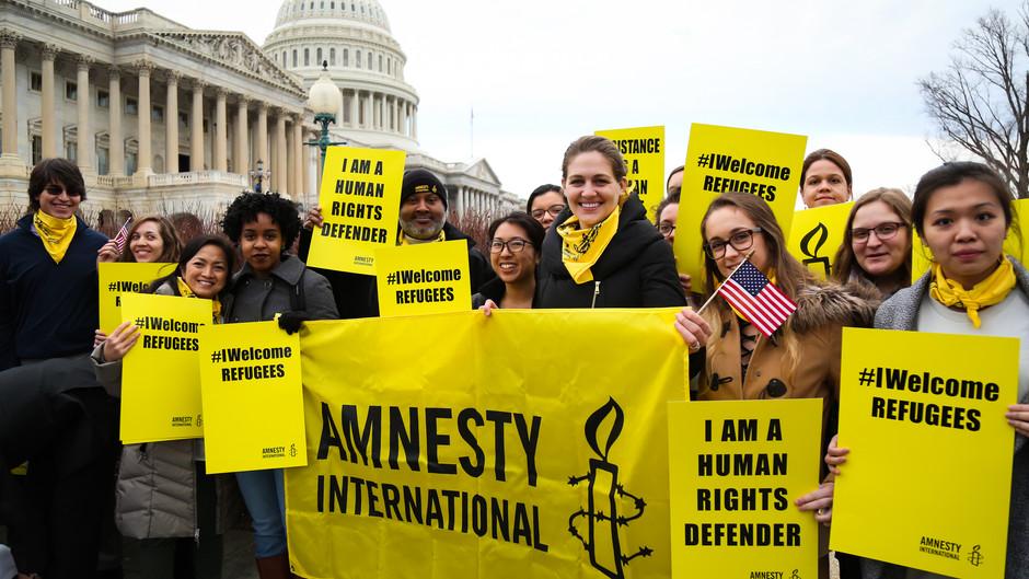 """Amnesty International вернет Навальному статус """"узника совести"""""""