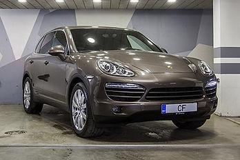 PorscheCarreraS_01.jpg