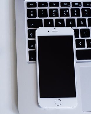 apple-close-up-iphone-92902.jpg