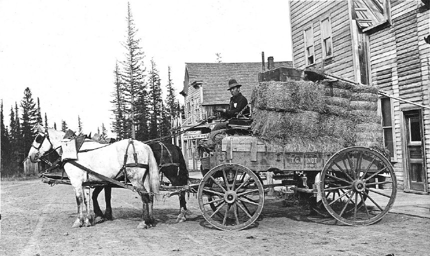 Wagon of Hay Bales 1917.jpg