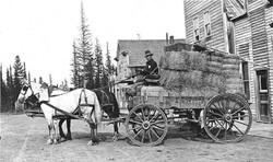 Wagon of Hay Bales 1917.jpg