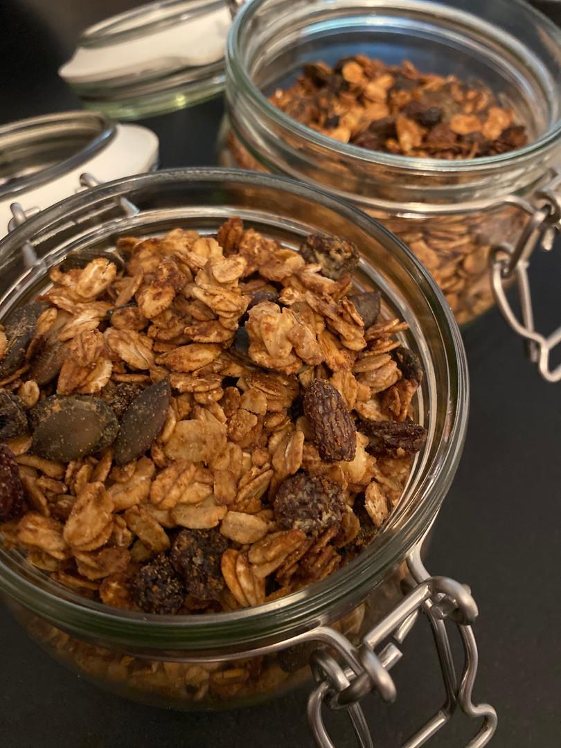 homemade easy granola recipe.jpg