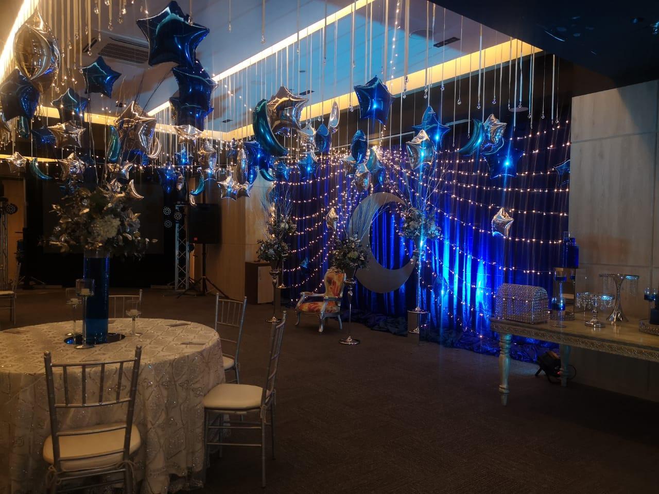 Salón Platino decorado para 15 años