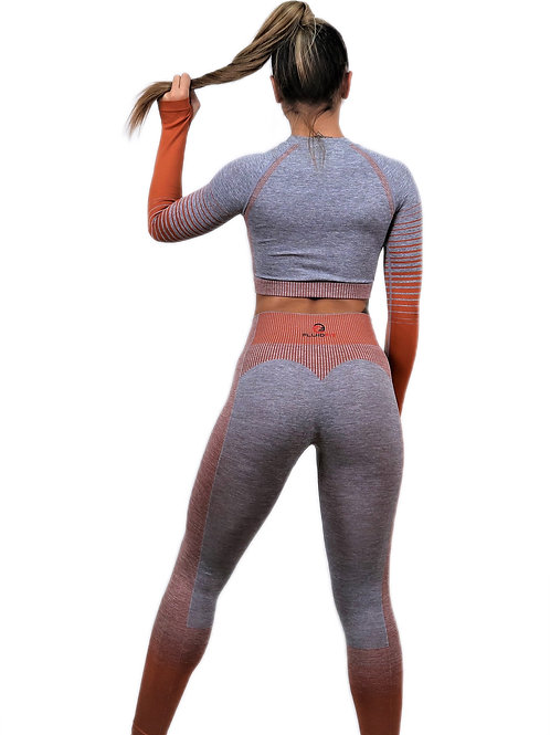 LONG SLEEVE CROP TOP AND SEAMLESS ENHANCE  LEGGINGS