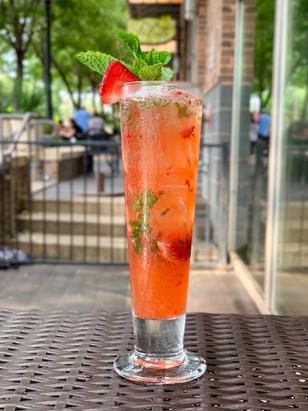 Cocktail Strawberry Mojito 1.JPG
