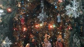 Дорогие братья и сестры, поздравляем Вас с Рождеством!