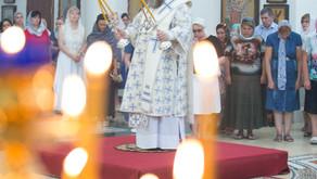Настоятель Вознесенского храма протоиерей Анатолий Аухимик сослужил их Высокопреосвященству митропол