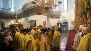 Настоятель Вознесенского храма протоиерей Анатолий Аухимик сослужил ихВысокопреосвященствам митропо
