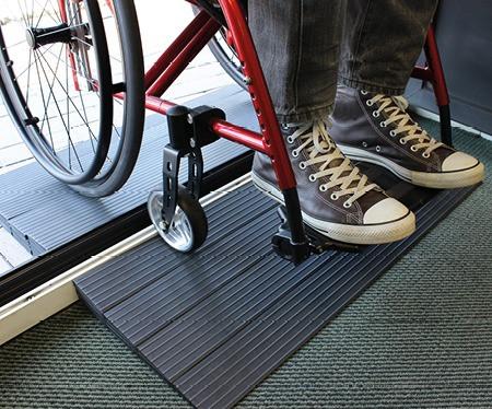 Türschwellenrampe quick2go für Rollstühle