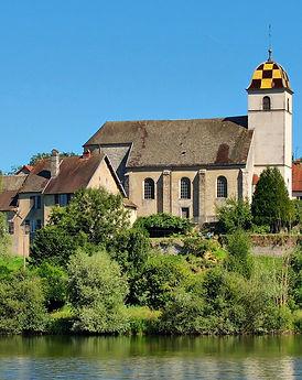 Rigney,_l'église_au-dessus_des_étangsret