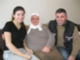 Sebiha Yilmaz (1. Generation), Ali Yilmaz (2. Generation), Tugce Yilmaz (3. Generation)im Zeitzeugeninterview 2016. Foto: U. Hagemeier