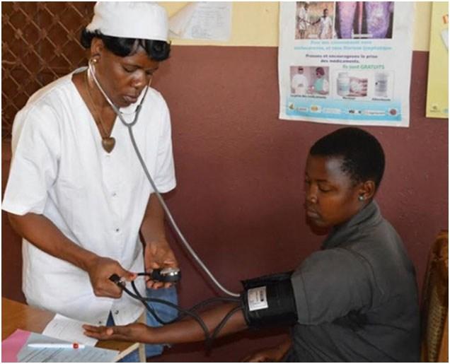 DRC infirmiereTension-kalembe_lembe