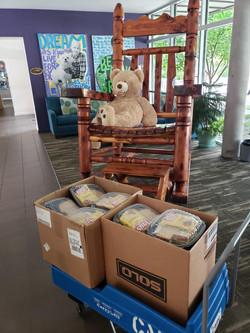 iCAN Donates Meals to Ronald McDonald Ho