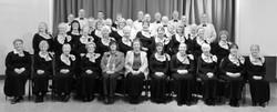 HS 2010 full choir (2) b n w.jpg