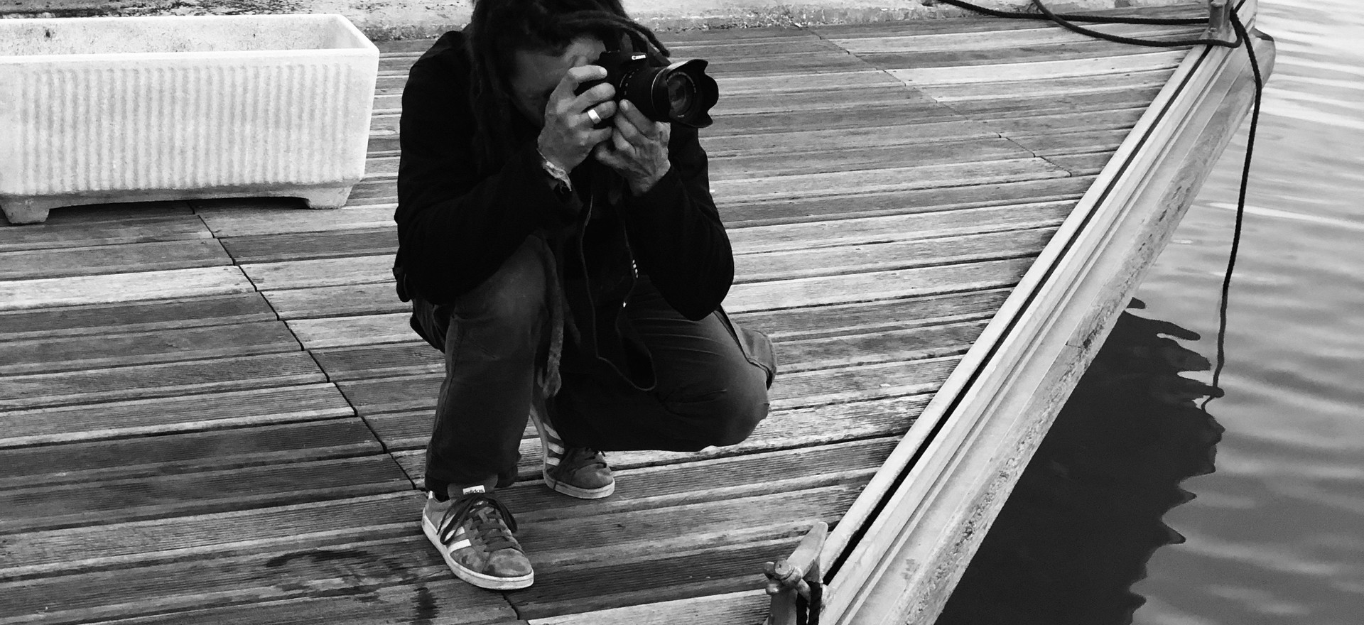 Yannick taking pictures