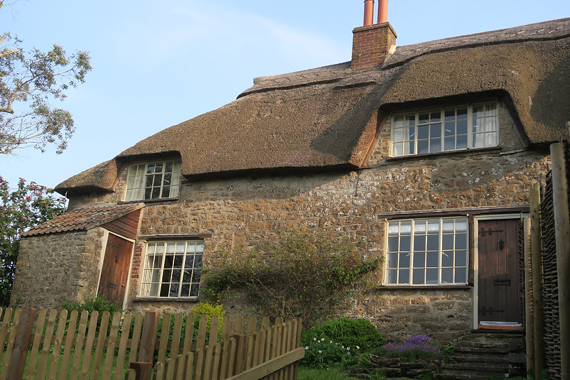 West Dorset Thatched Holiday Cottage