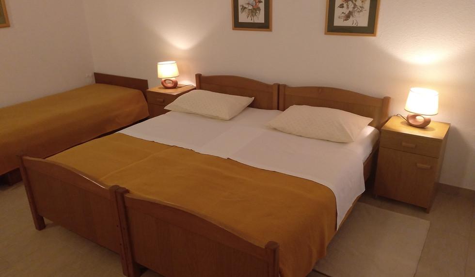 Zimmer 1 - main (10).jpg