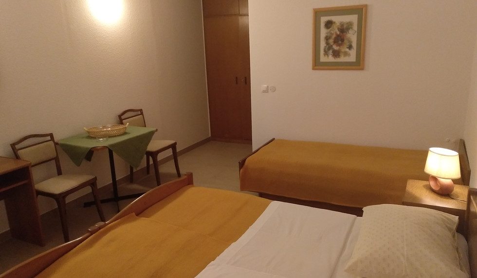 Zimmer 1 - main (6).jpg