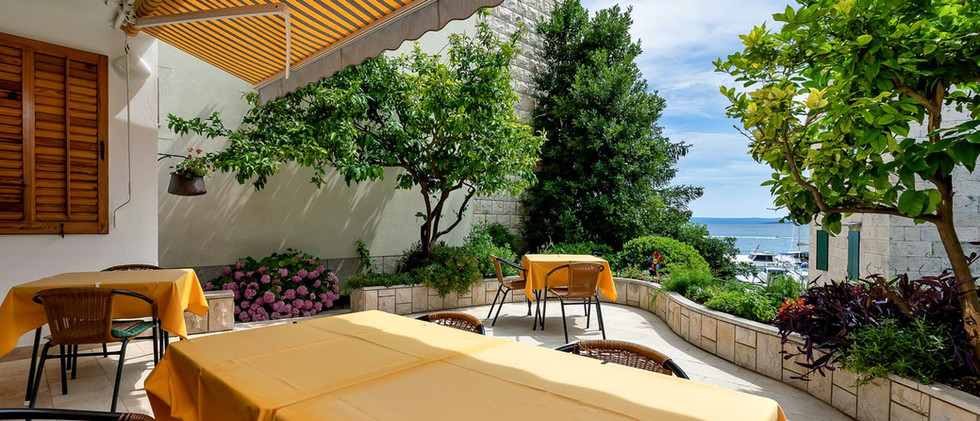 Terrasse Blick.jpg