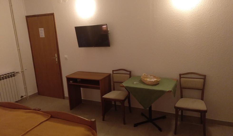 Zimmer 1 - main (7).jpg