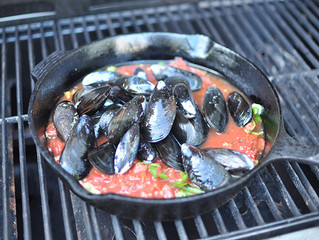 Spicy Grilled Mussels