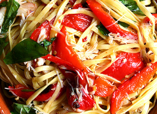 Linguini with Roasted Red Peppers, Crabmeat & Basil