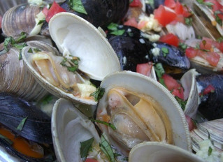 Garlic Clams and Mussels on the Grill