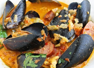 Mussels with Chorizo and Tomato-Wine Sauce