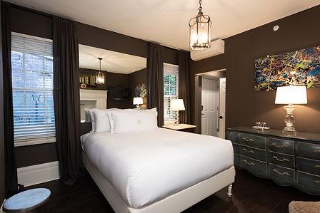 guest room 1R.jpg