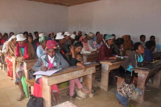 alphabétisation femmes bénéficiaire.JPG