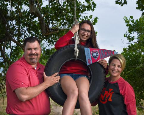 grad-family-tire-swing.jpg