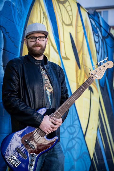 bass-guitarist-portrait-denver.jpg