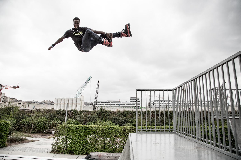 Sakun Diako / L'oiseau urbain