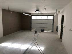 Nová garáž - Strojní omítky, anhydrit SDK podhledy, obklady