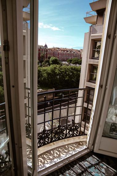 Superbe vue de Hôtel Acanthe en plein centre de Nice